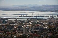 海口和海湾的顶视图在开普敦 免版税库存照片