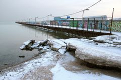 海和冰在冬天和冷的时间 库存图片