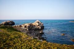 海和山在突尼斯 免版税库存图片