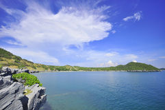 海和山 免版税图库摄影