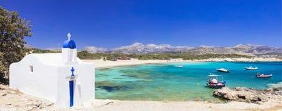 海和教会,纳克索斯岛,希腊全景  免版税库存图片
