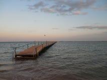 海和桥梁 免版税库存照片