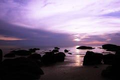 海和礁石 免版税库存照片