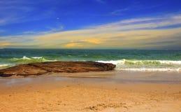 海和蓝天是一个美好的晚上 免版税库存照片