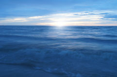 海和阳光早晨 免版税库存照片