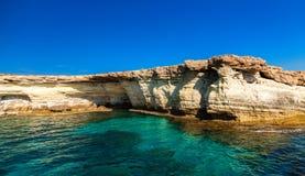 海在海角格雷科附近陷下 免版税库存图片