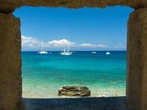 海在罗得岛海岛上的视图窗口。 库存图片