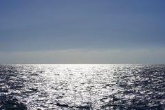 海天线在一个晚上夏日 图库摄影