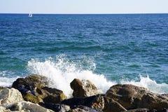 海天线在一个晴朗的夏日 免版税图库摄影