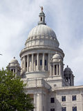 海岛倾斜rhode州议会议场视图 免版税库存图片