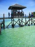 海岛在码头附近的kinabalu kota 免版税库存照片