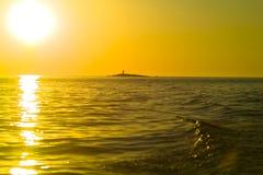 海岛小的惊人的日落 库存照片