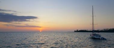 海岛日落 库存图片