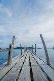 海岛木桥海看法  库存照片
