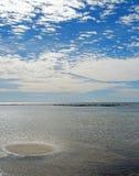 海岛来回含沙 库存图片