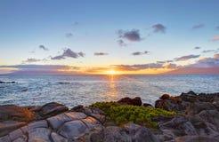 海岛毛伊峭壁与海洋的海岸线路。 夏威夷。 免版税库存图片