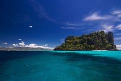 海岛海洋天堂视图 免版税库存图片