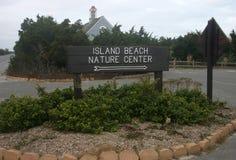海岛海滩国家公园 在入口的信息标志 库存图片