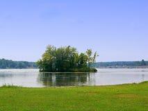 海岛湖 库存图片
