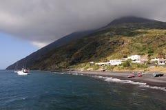 海岛火山意大利的stromboli 库存照片
