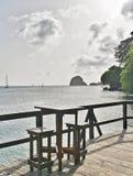 海岛热带木海滩酒吧视图 免版税库存照片