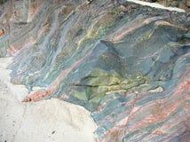 海岛爱奥那岛,苏格兰,英国的多色的岩石 库存照片