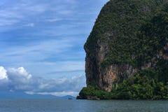 海岛视图在安达曼海,董里府,泰国 免版税库存照片