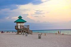 海岛迈阿密晴朗的日落 免版税库存图片
