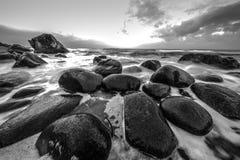 海岛lofoten 美好的挪威春天风景 黑白的照片 免版税库存照片