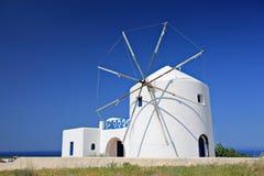 海岛santorini风车 免版税图库摄影