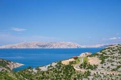 海岸克罗地亚岩石海岛的rab 库存照片