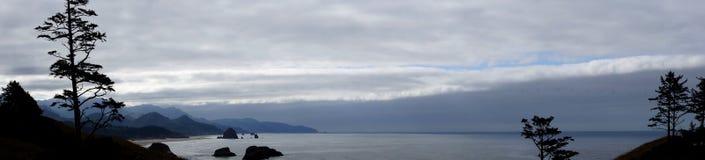 海岸全景在大炮海滩附近的 库存照片