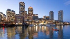 海岸卫队小船在波士顿港口 免版税库存照片