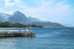海岸和海滩的看法在凯梅尔 库存图片