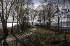 海岸在早期的春天 免版税库存照片
