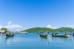 海岸在渔夫村庄 酸值姚亚伊 库存照片