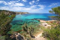 海岸地中海ibiza的线路 免版税图库摄影