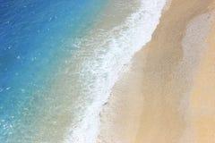 海岸天蓝色海的Airview 库存照片