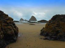 海岸岩石的俄勒冈 图库摄影