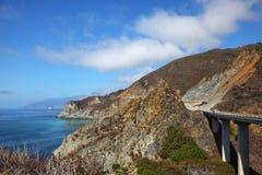 海岸巨大的和平的路高架桥 库存图片