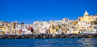 海岸意大利那不勒斯procida海运 免版税图库摄影