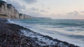 海岸法国北部日落 免版税库存照片
