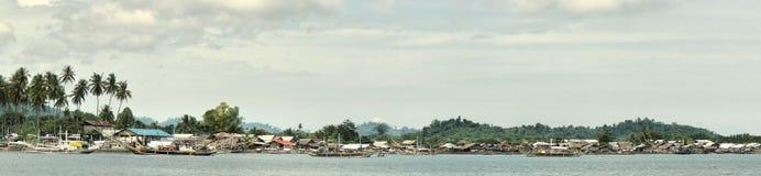 海岸渔夫全景热带村庄 库存图片