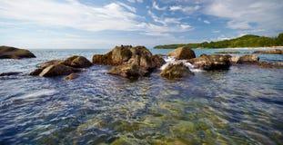 海岸热带横向的海洋 免版税库存照片