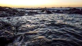 从海岸的日落 库存图片
