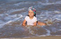 海岸的婴孩 库存照片