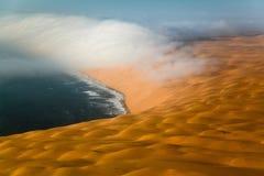 海岸纳米比亚概要 库存图片