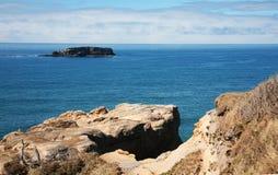 海岸纽波特岩石的俄勒冈 库存照片