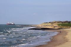 海岸线冲洗 库存图片