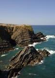 海岸线南地中海的葡萄牙 免版税库存图片